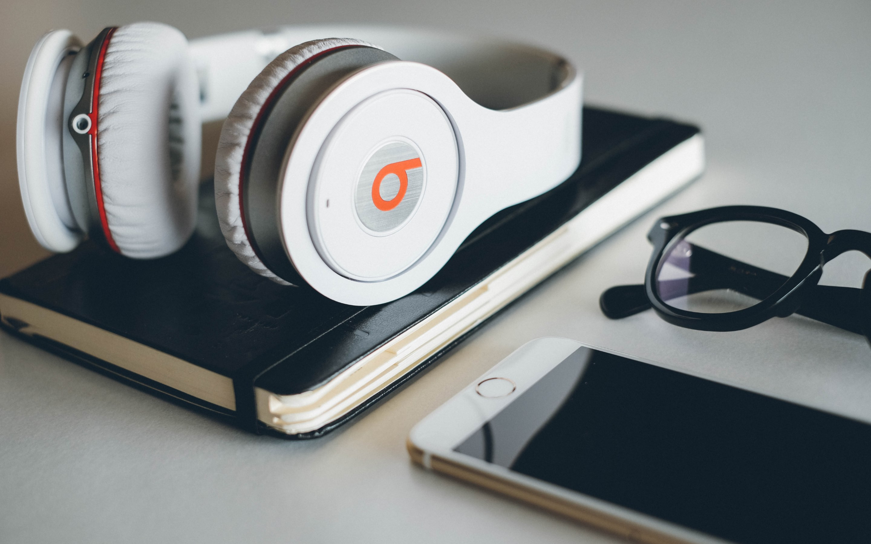 beats headphones widescreen wallpaper 58690