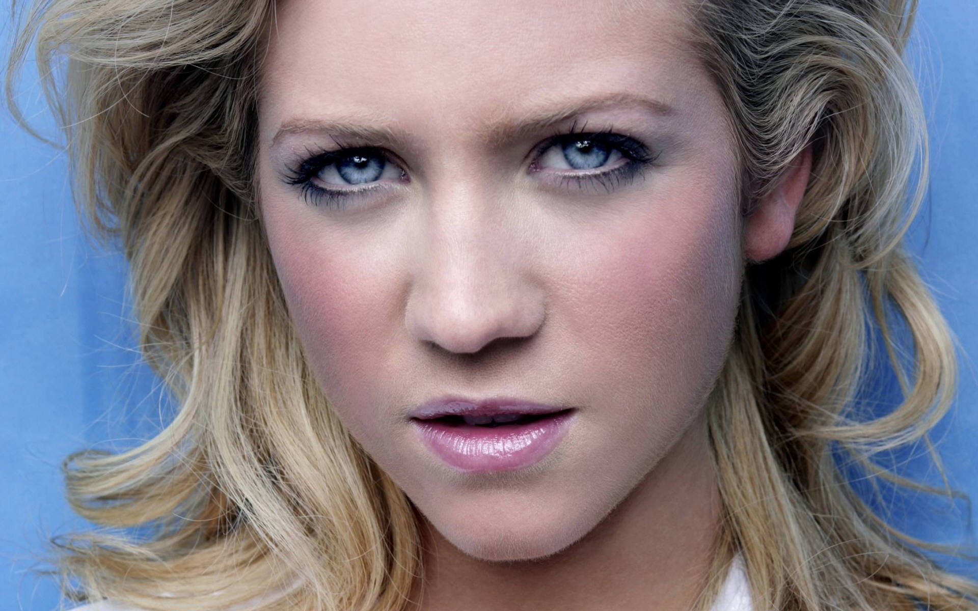 brittany snow face wallpaper 53309