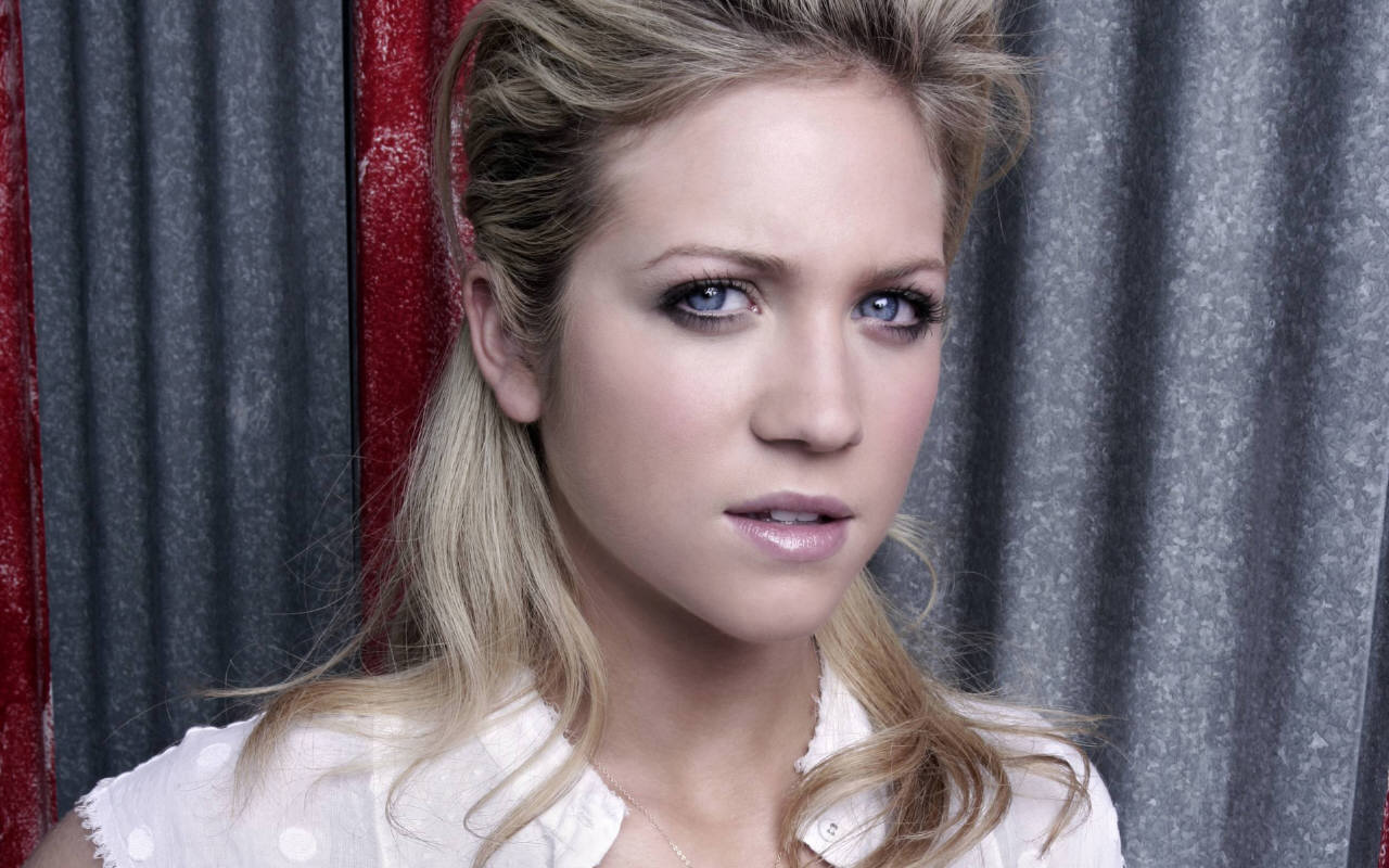 brittany snow wallpaper 53313