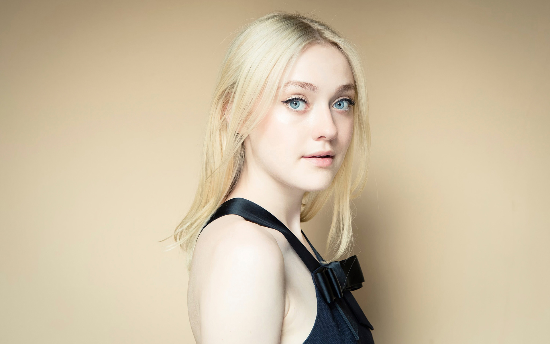 dakota fanning desktop wallpaper 50137