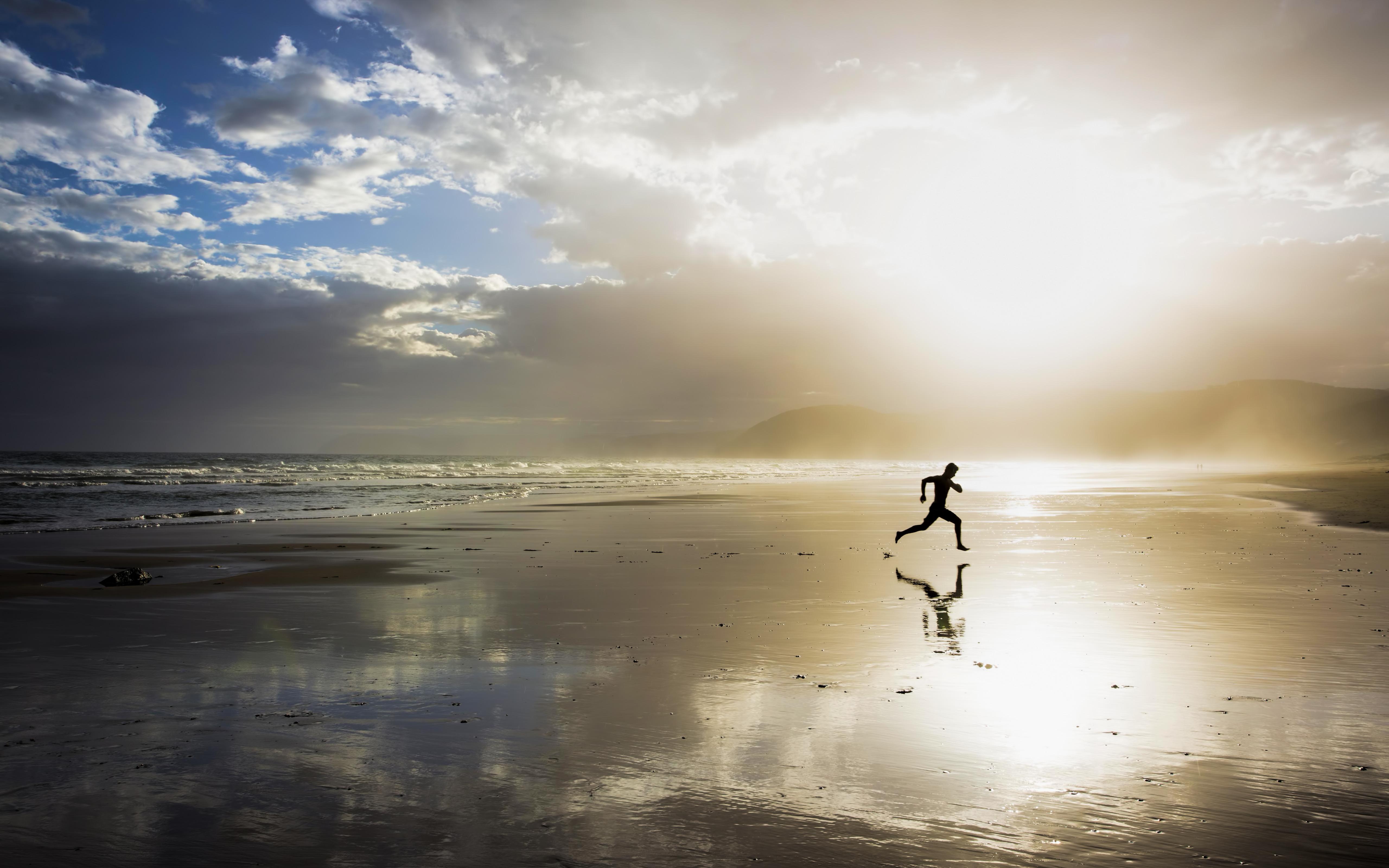 Beach Running Man Wallpaper 53833