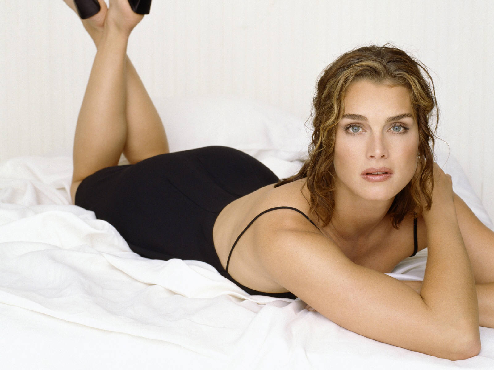 sexy brooke shields wallpaper 54874