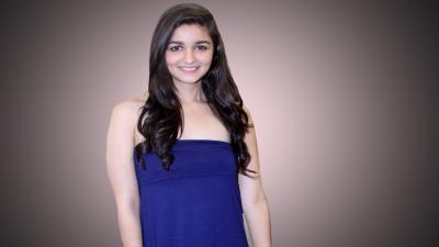 Alia Bhatt Desktop Wallpaper 54885