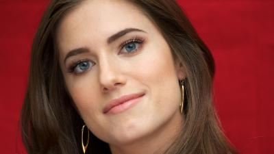Allison Williams Face Wallpaper 55025