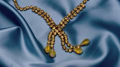 Gold Necklace Desktop Wallpaper 49456
