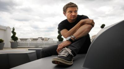 Jeremy Renner Widescreen HD Wallpaper 57224
