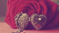 Necklace Desktop Wallpaper 49459