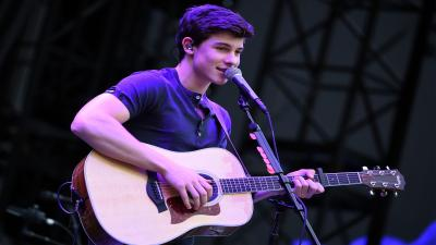 Shawn Mendes Performing Wide Wallpaper 56309