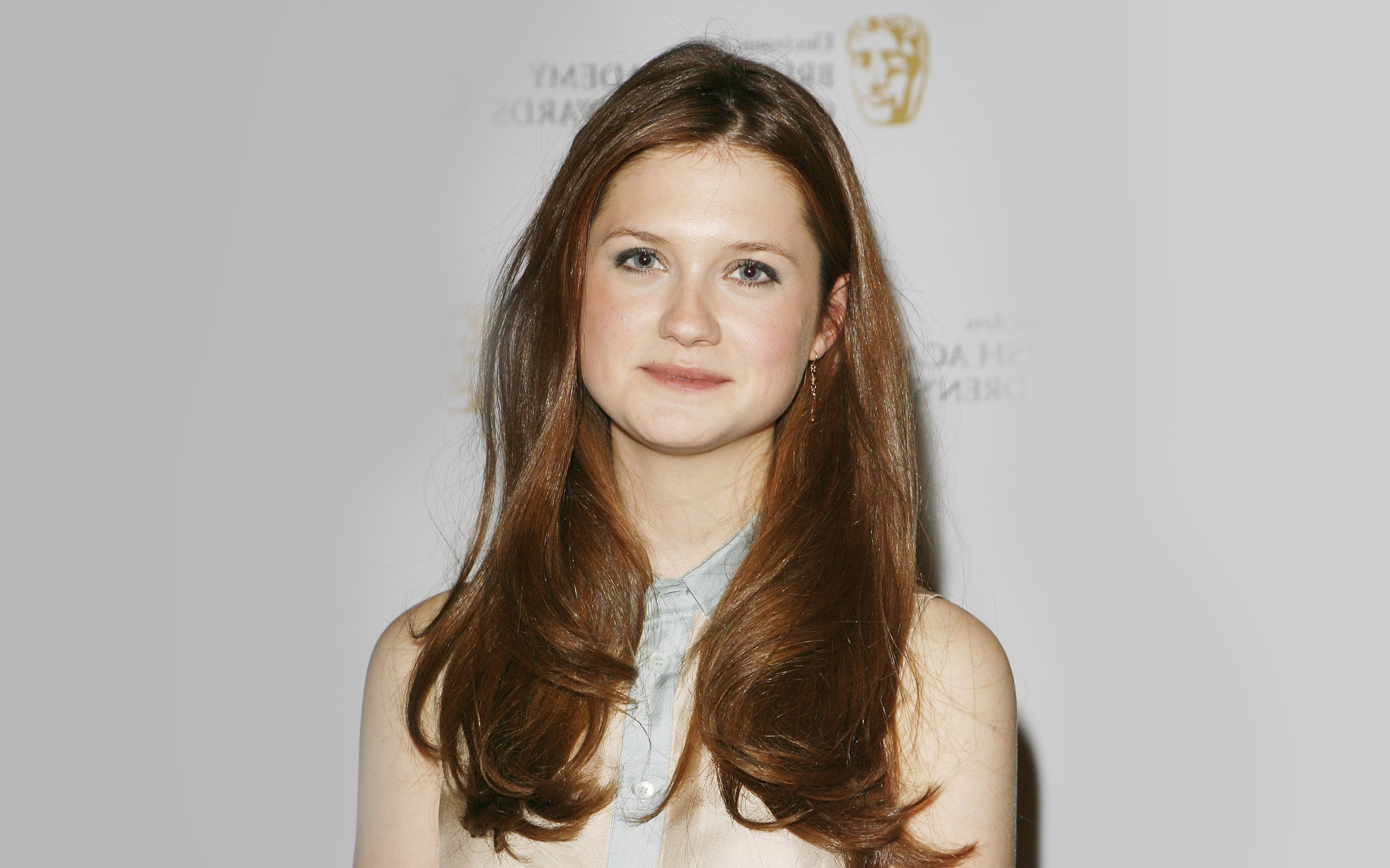 bonnie wright actress wide wallpaper 55084