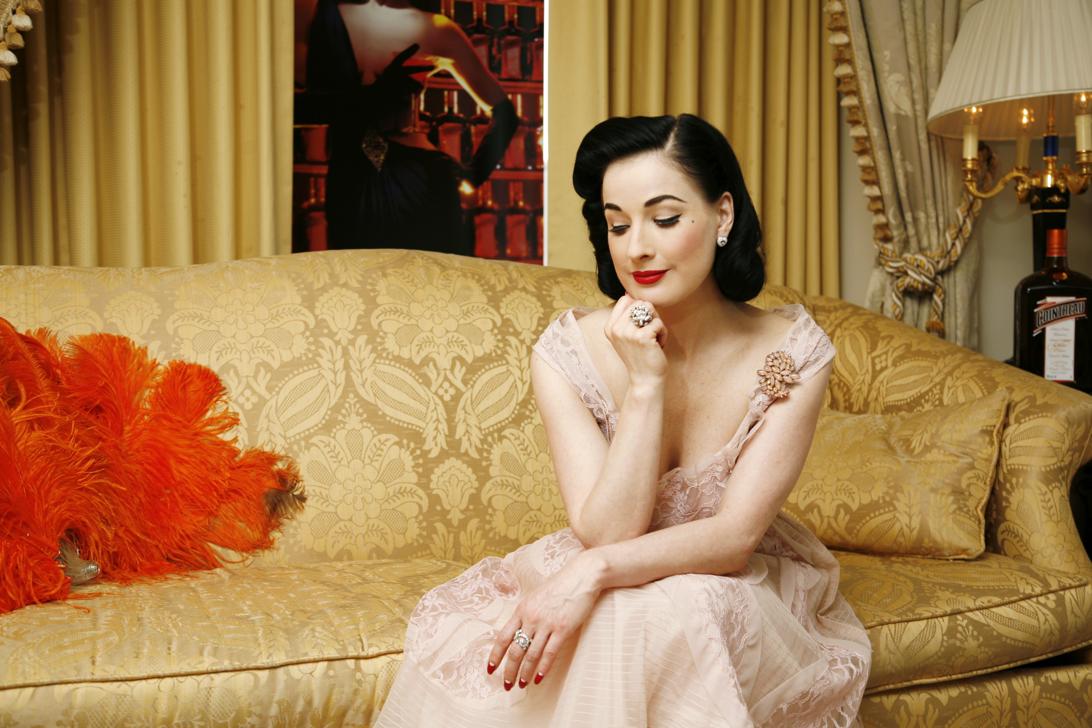 dita von teese wide hd wallpaper 52112