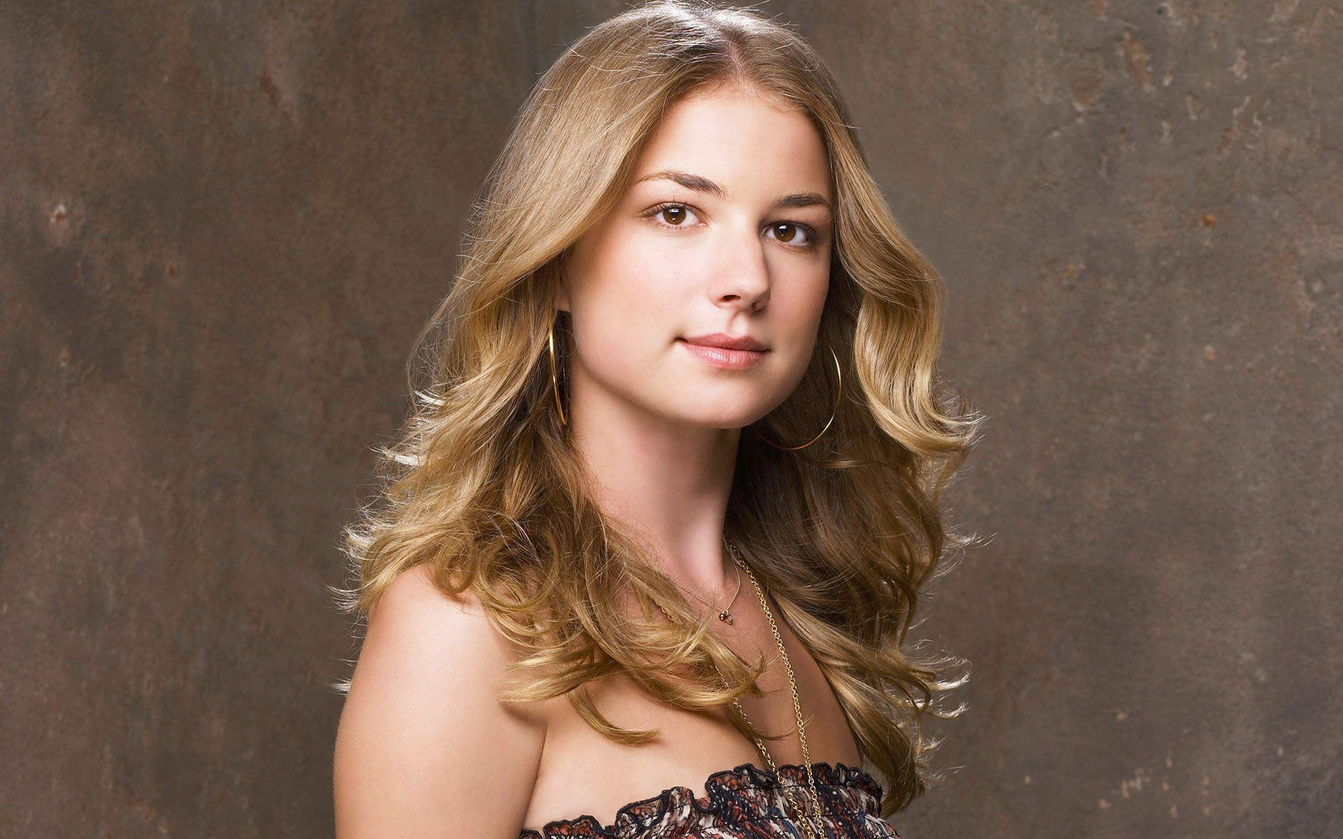 emily vancamp celebrity wallpaper 50316