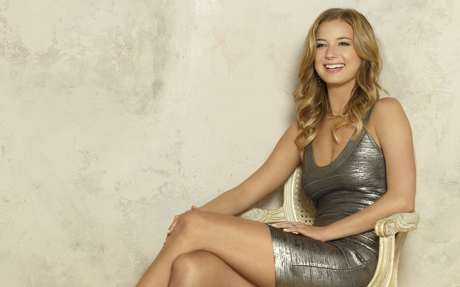 emily vancamp smile wallpaper 50312