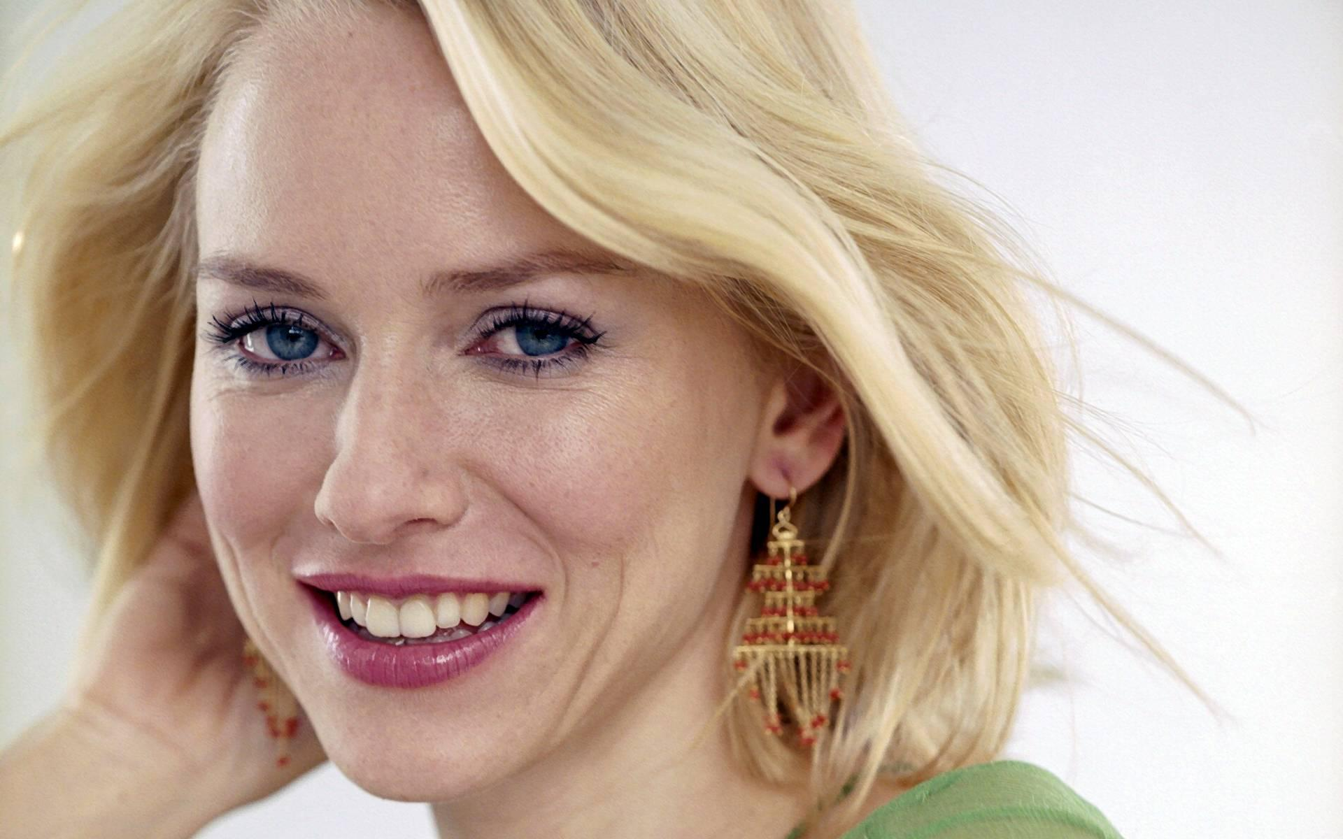 naomi watts smile wallpaper 52655