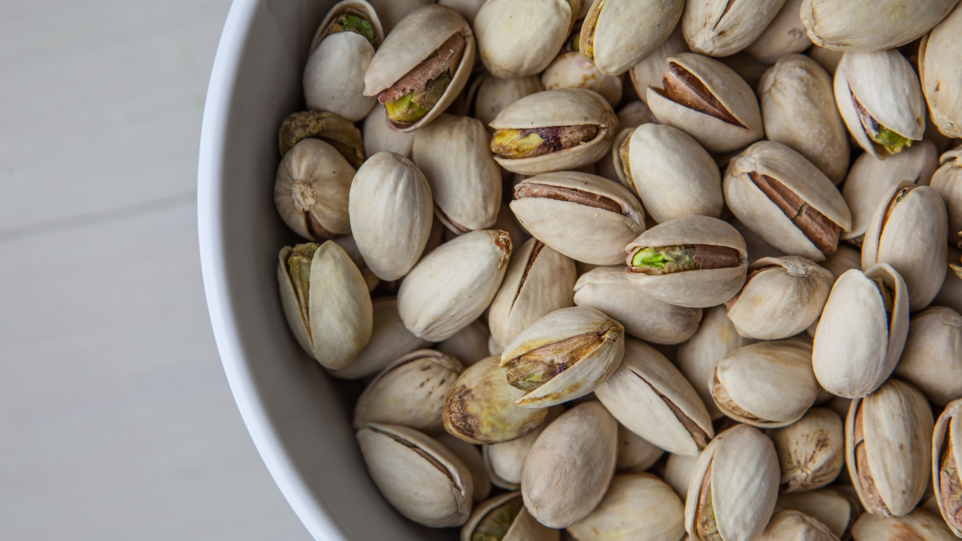 pistachio nuts computer wallpaper pictures 52123