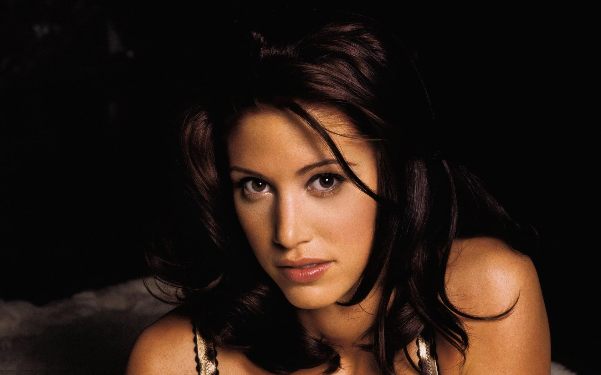 shannon elizabeth wallpaper 56375