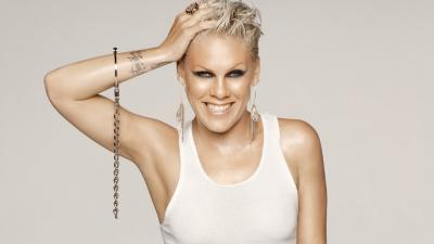 Alecia Beth Smile Wallpaper 54389