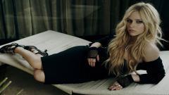 Avril Lavigne Widescreen Wallpaper 50102
