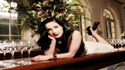 Dita Von Teese Widescreen Wallpaper 52111