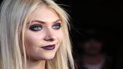 Taylor Momsen Makeup Widescreen Wallpaper 54746