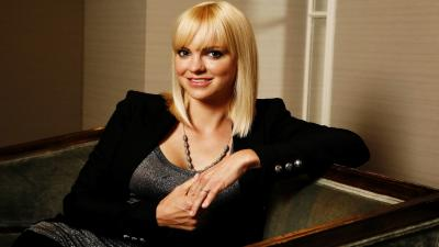 Anna Faris Smile Wallpaper Pictures 53154