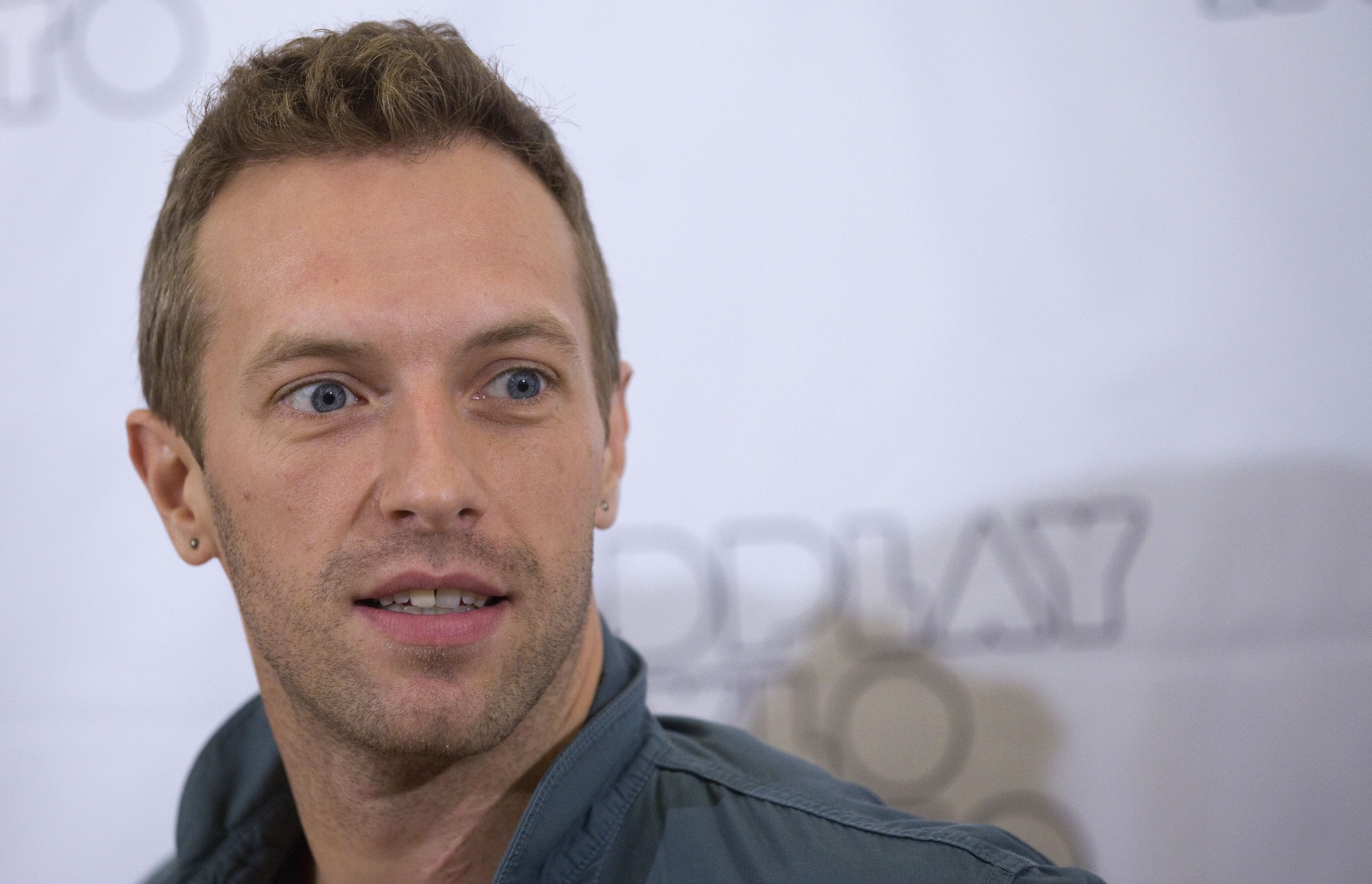 chris martin widescreen wallpaper 56950