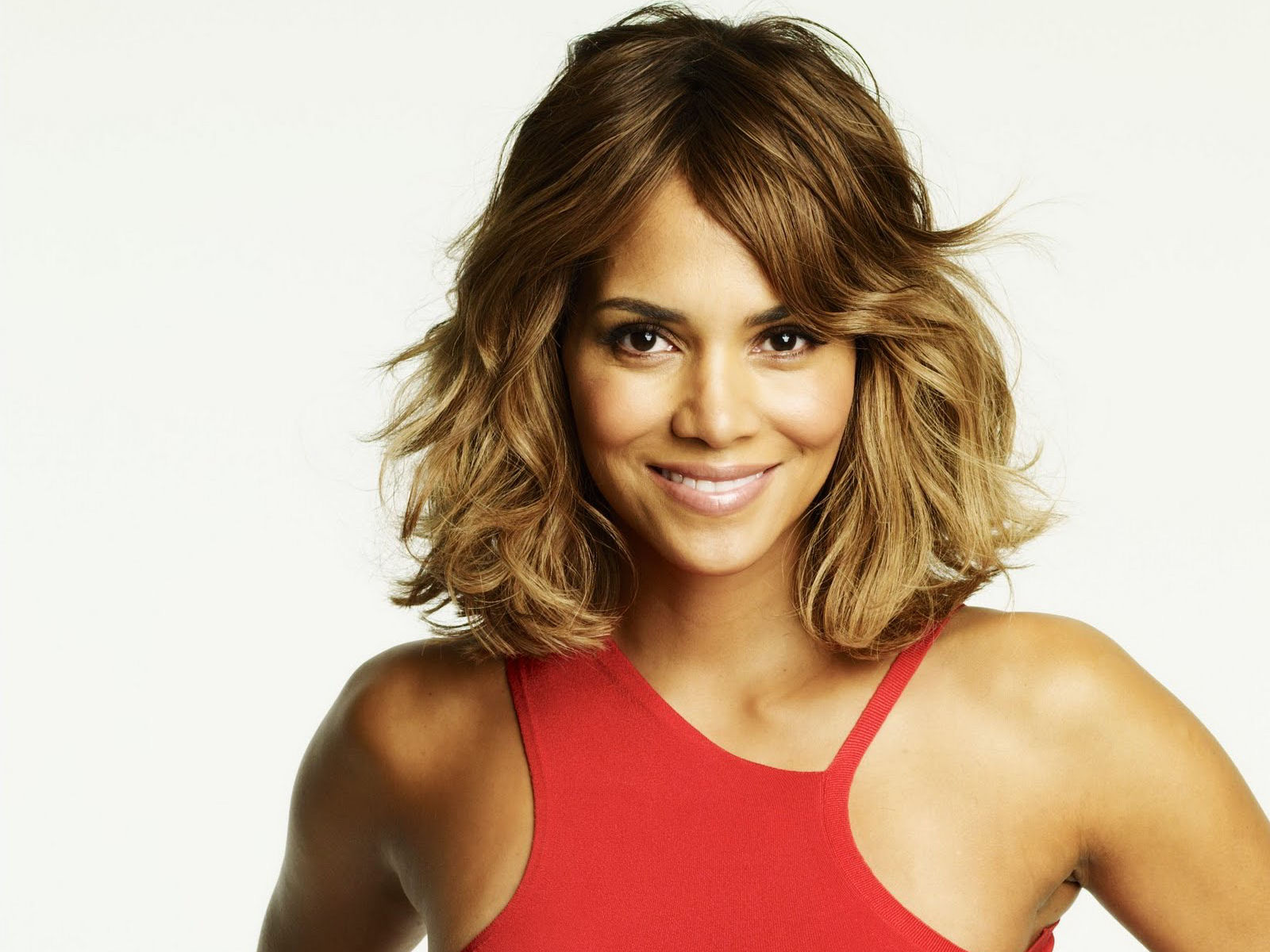 halle berry smile wallpaper 54474