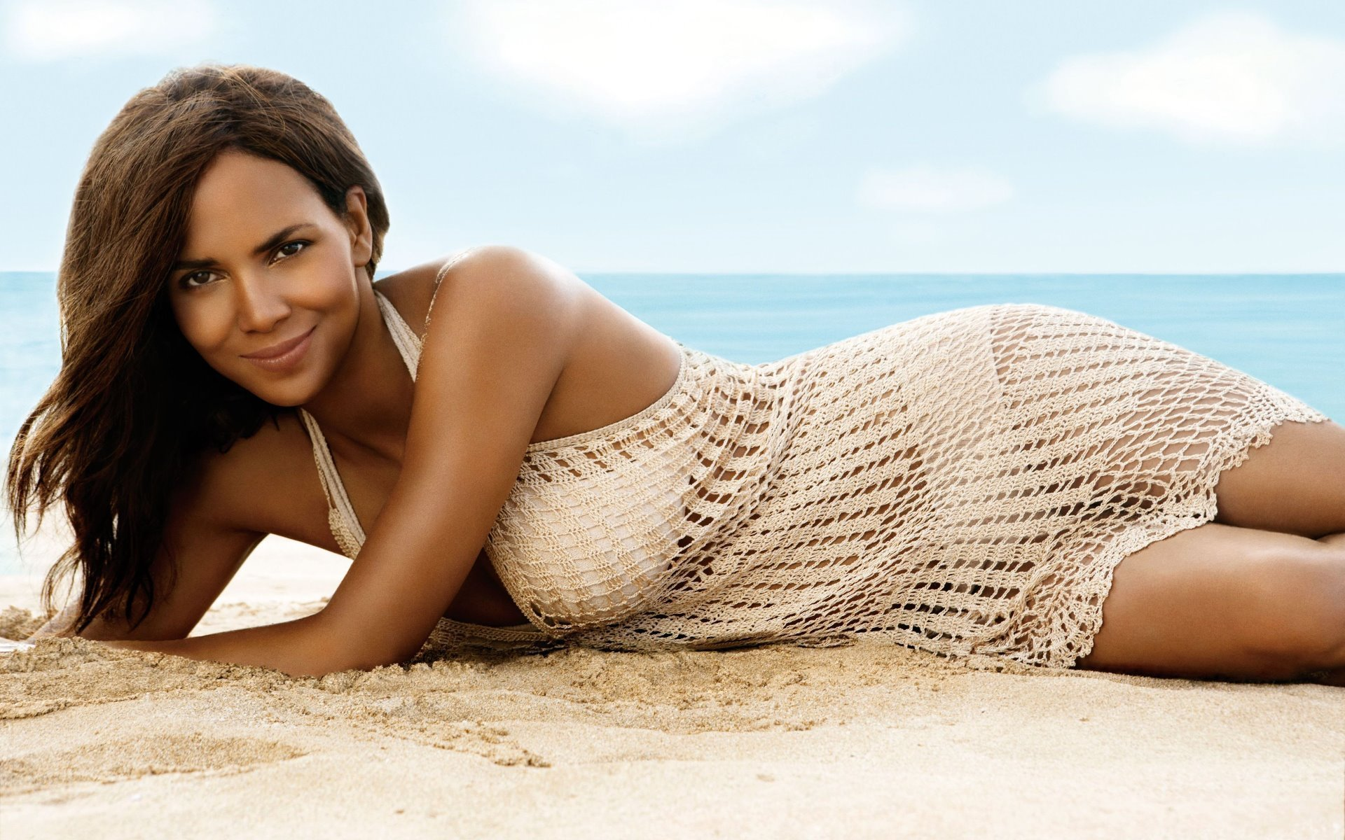 halle berry swimsuit wallpaper 54470