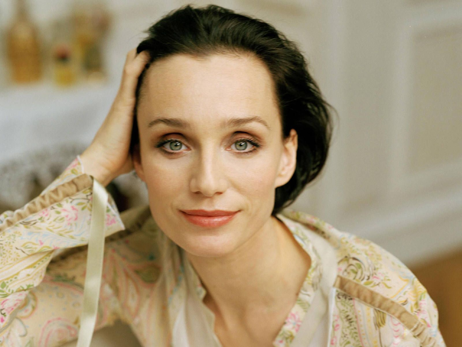 kristin scott thomas computer wallpaper photos 58222