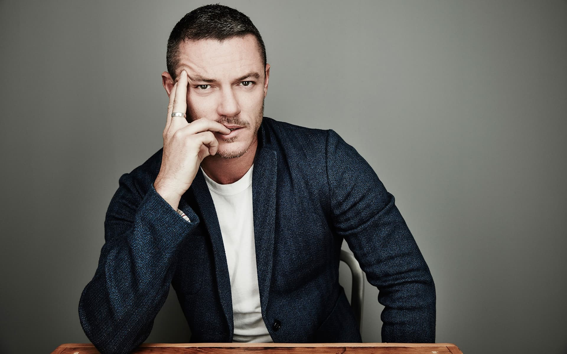 luke evans desktop wallpaper 57949
