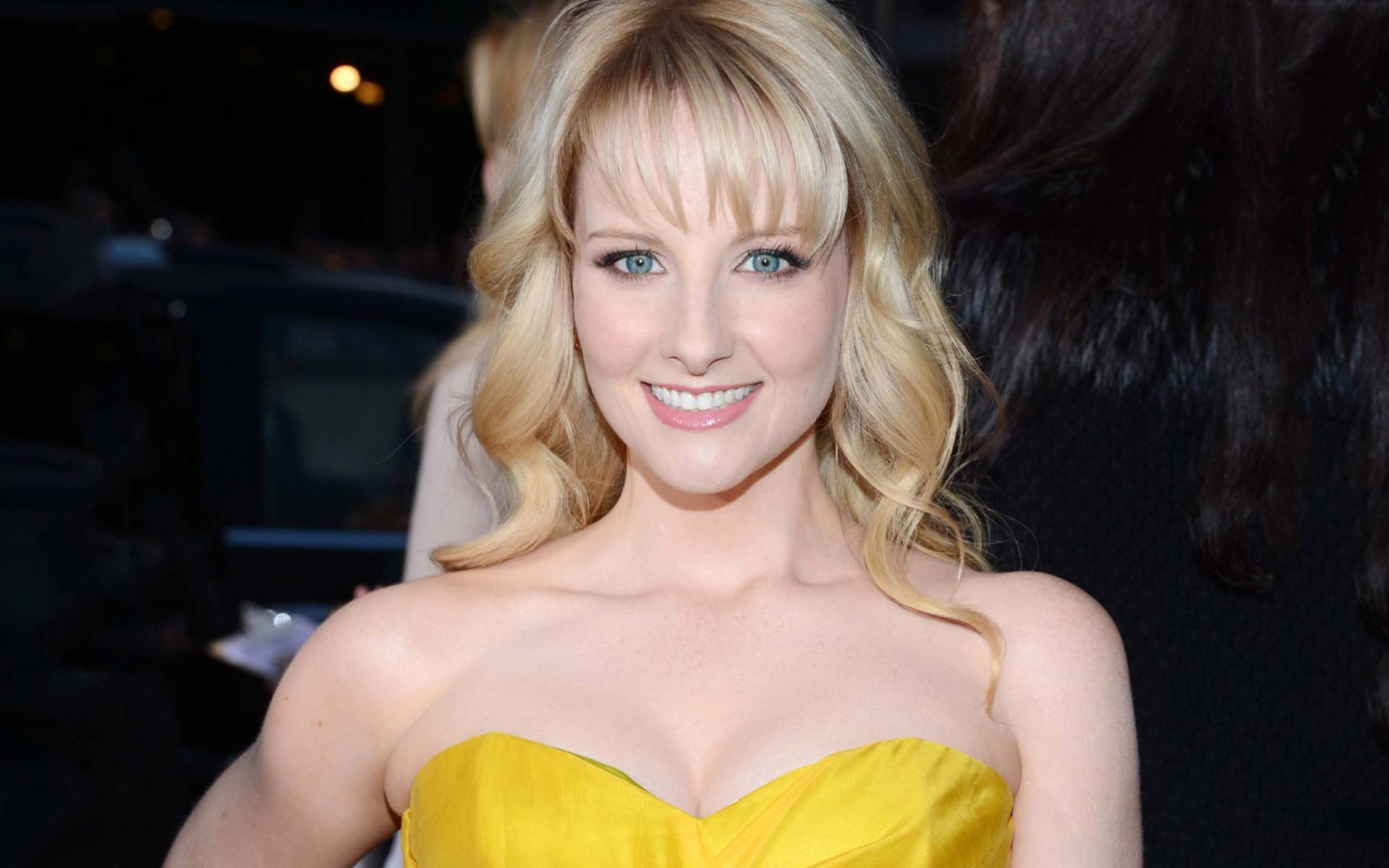 melissa rauch smile wallpaper 56651
