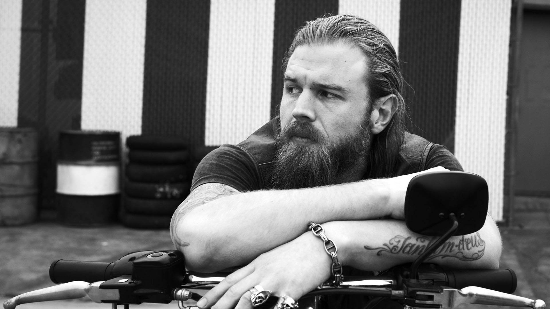 monochrome ryan hurst wallpaper 57937