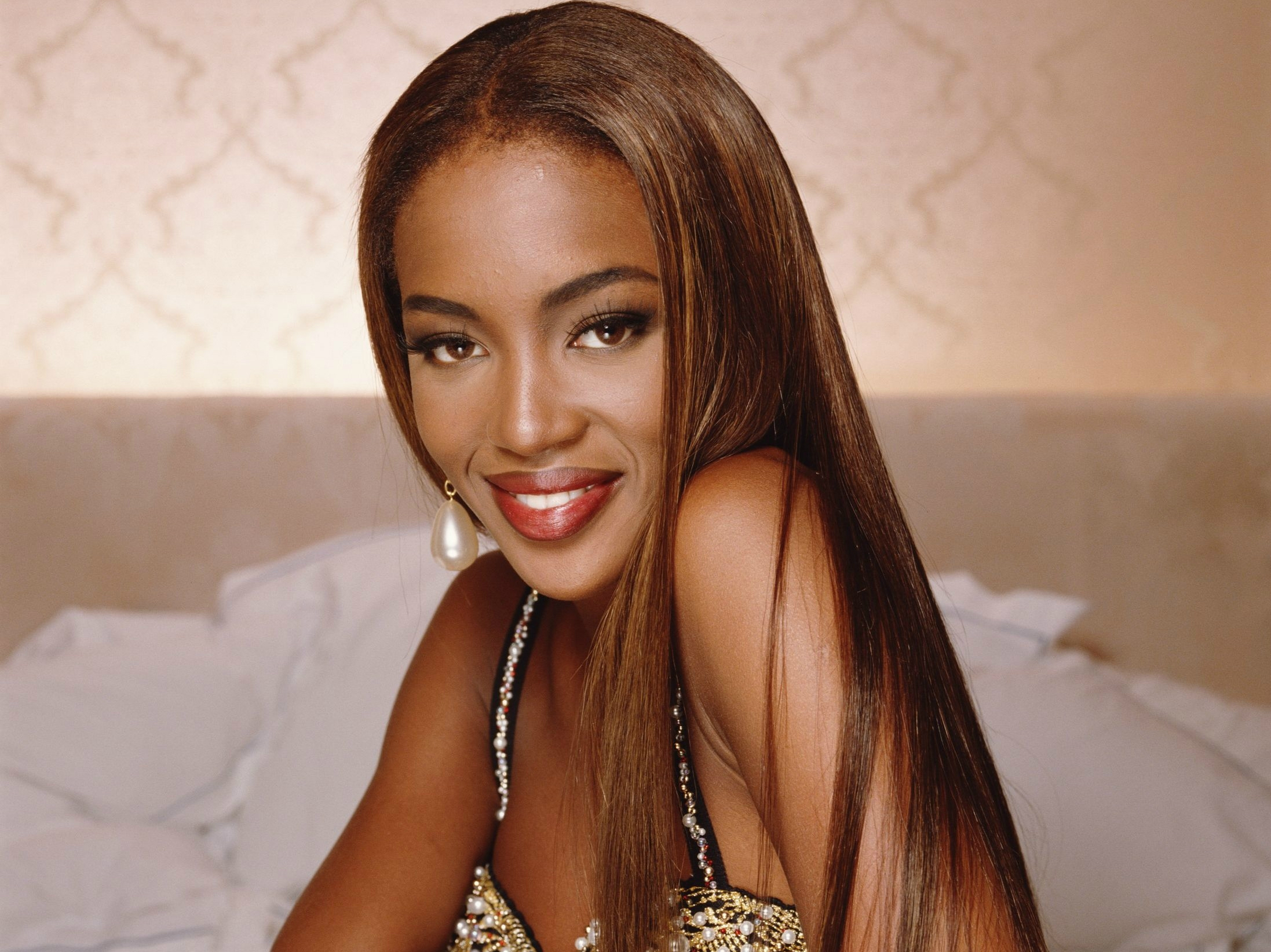 naomi campbell smile wallpaper 56957