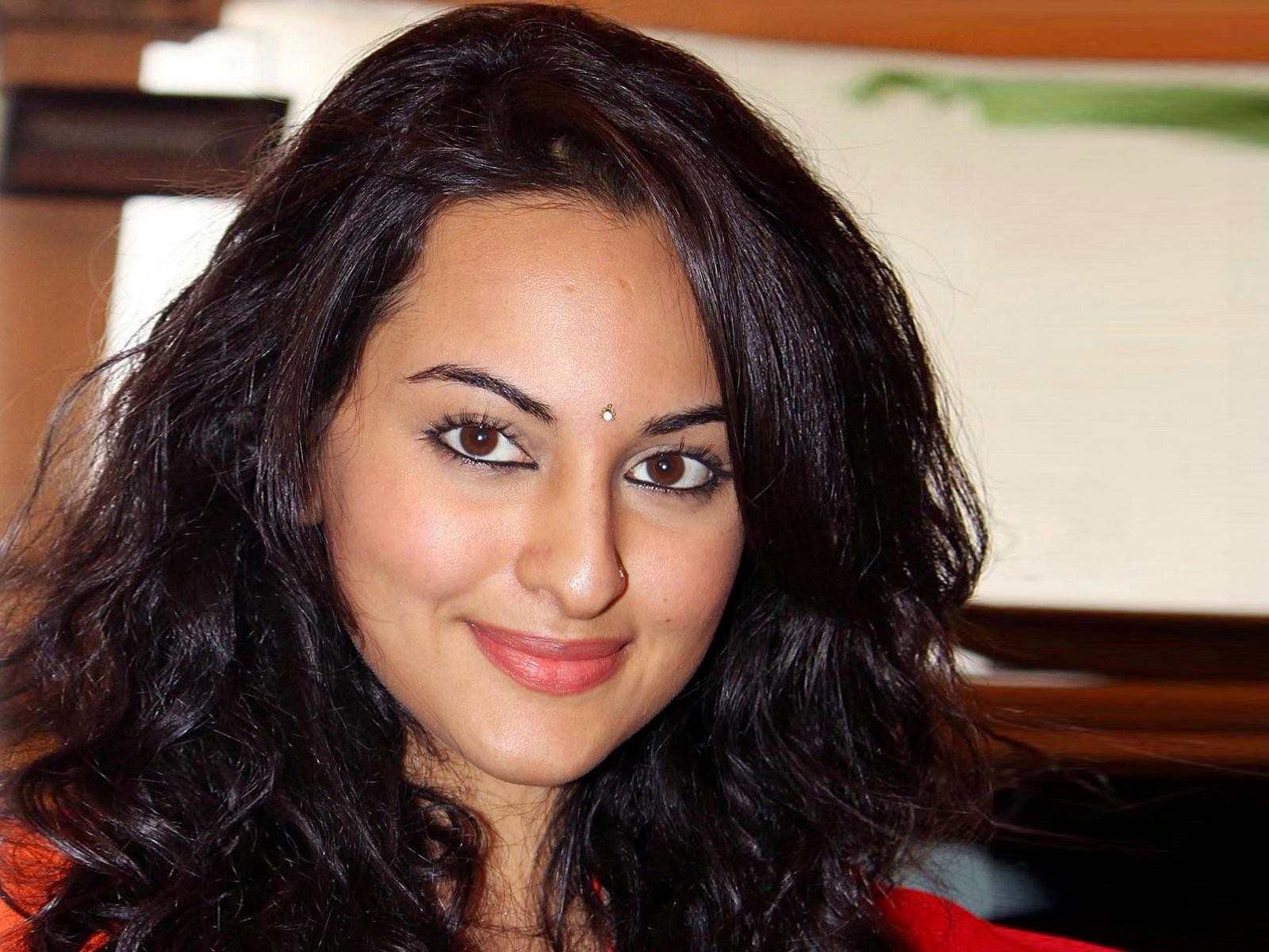 sonakshi sinha face wallpaper pictures 53452
