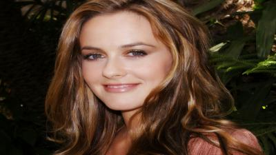 Alicia Silverstone Smile Wallpaper 53431