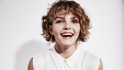 Happy Camren Bicondova Wallpaper 58551