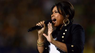 Jennifer Hudson Performing Wallpaper 56920