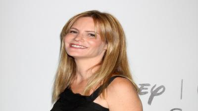 Jennifer Jason Leigh Smile Wallpaper Pictures 58478