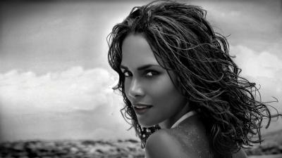 Monochrome Halle Berry Wallpaper 54477