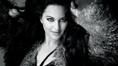Monochrome Sonakshi Sinha Wallpaper 53455