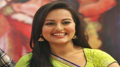 Sonakshi Sinha Smile Wallpaper 53454
