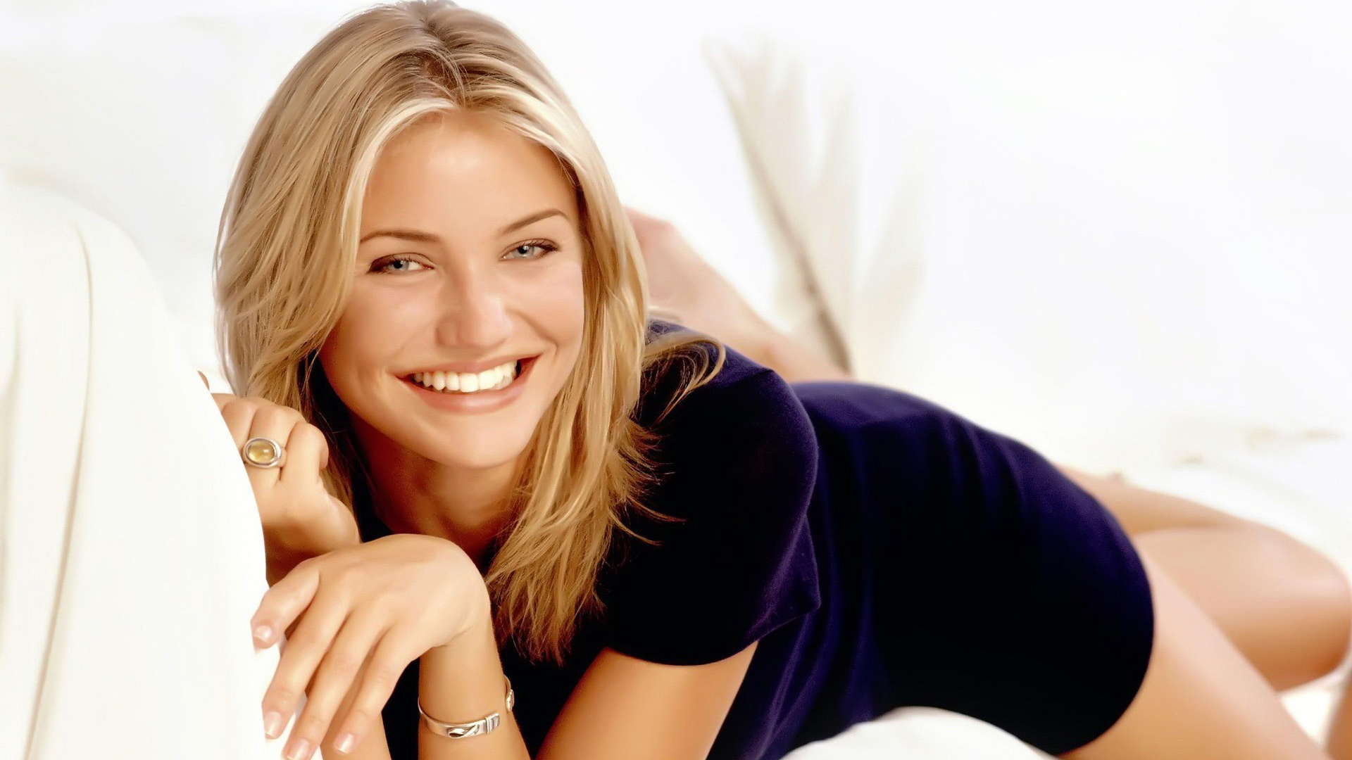cute cameron diaz smile wallpaper 55489