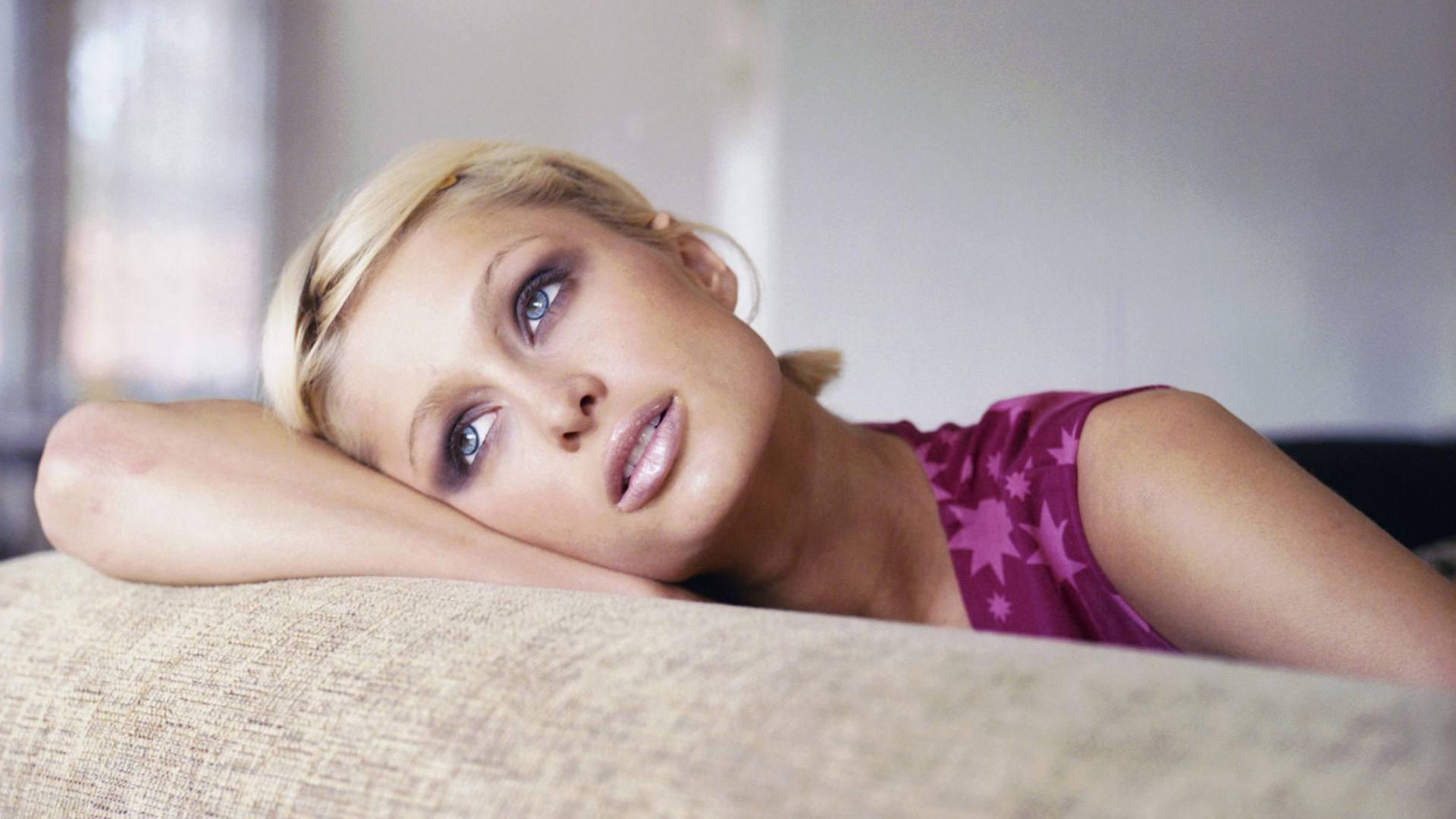Paris Hilton Desktop Hd Wallpaper 54948 1920x1080px