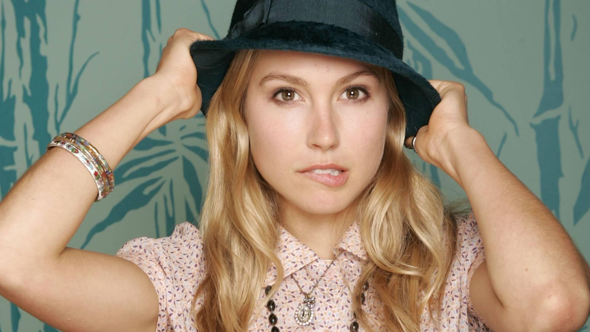 sarah carter hat wallpaper 54967