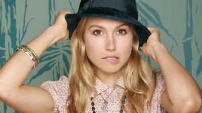 Sarah Carter Hat Wallpaper 54967