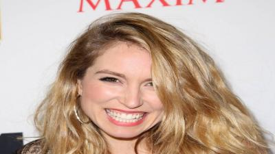 Sarah Carter Smile Wallpaper 54972