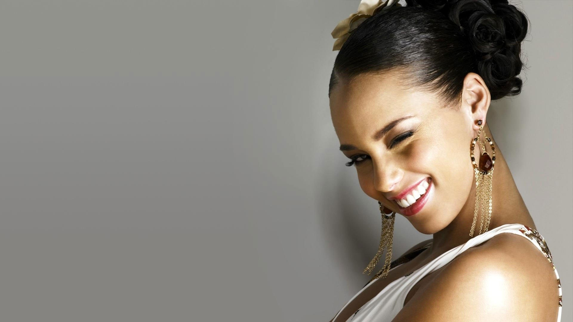 alicia keys smile wallpaper 50946