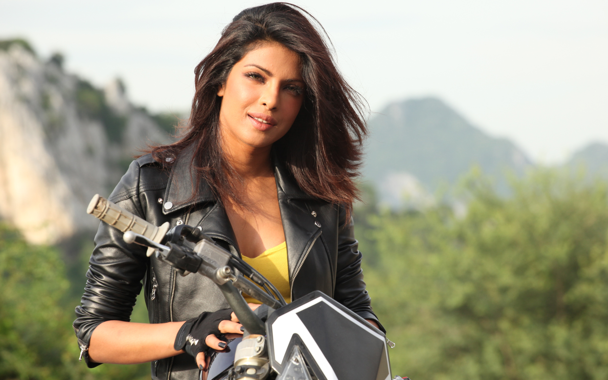 priyanka chopra actress hd wide wallpaper 52050