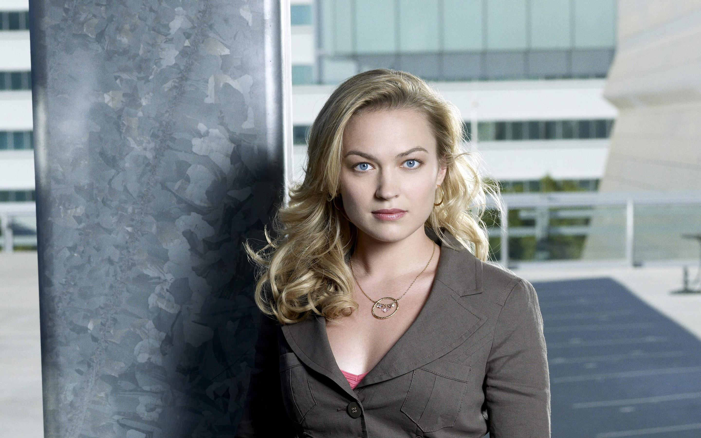sophia myles actress wide hd wallpaper 58740