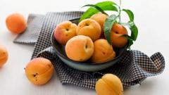 Apricot Fruit Desktop Wallpaper 49867