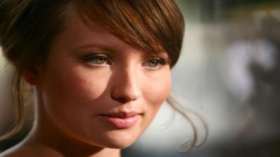 Emily Browning Face HD Wallpaper 52058